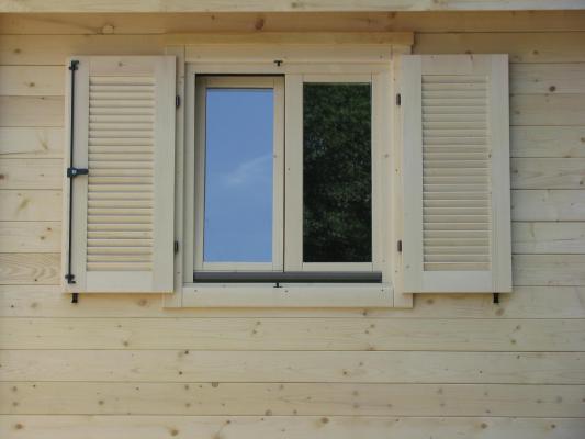 Portes fen tres volets de nos constructions bois for Deco contour fenetre interieur