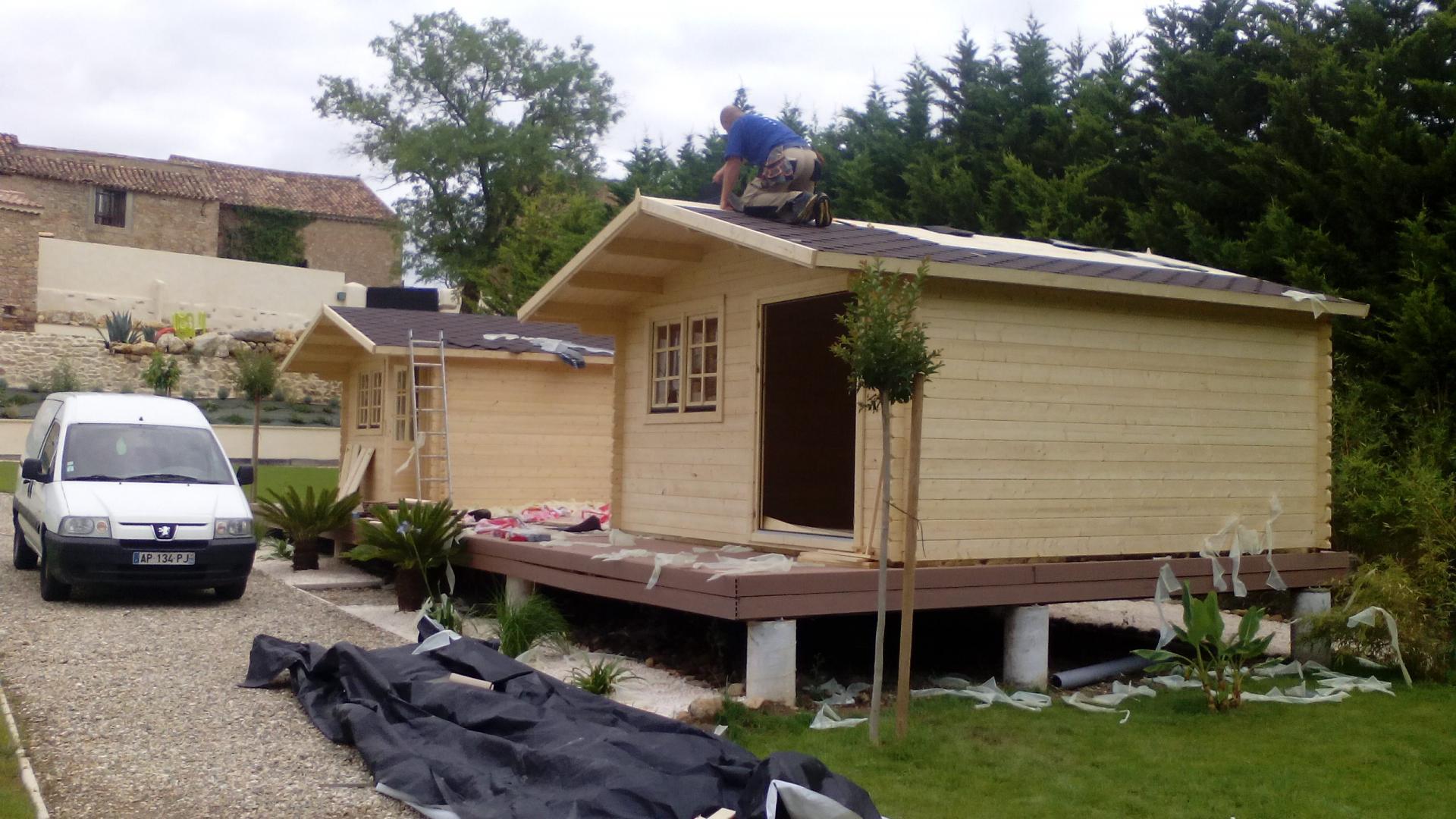 Les diff rentes couvertures des chalets en bois et des - Couverture chalet de jardin ...