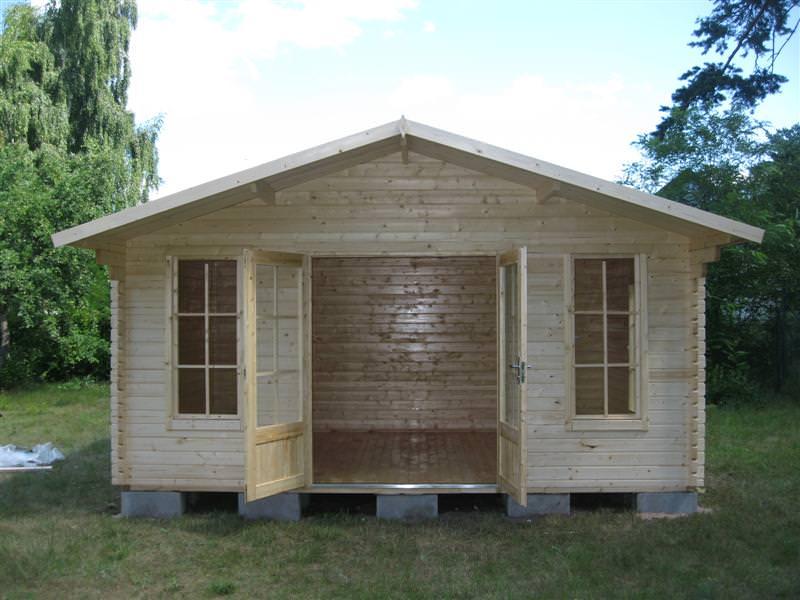 Abri de jardin en bois sur mesure avec stmb construction - Construction d un abri de jardin en bois ...