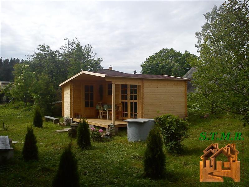 Maisonnette en bois en pleine nature stmb construction for Maisonnette bois