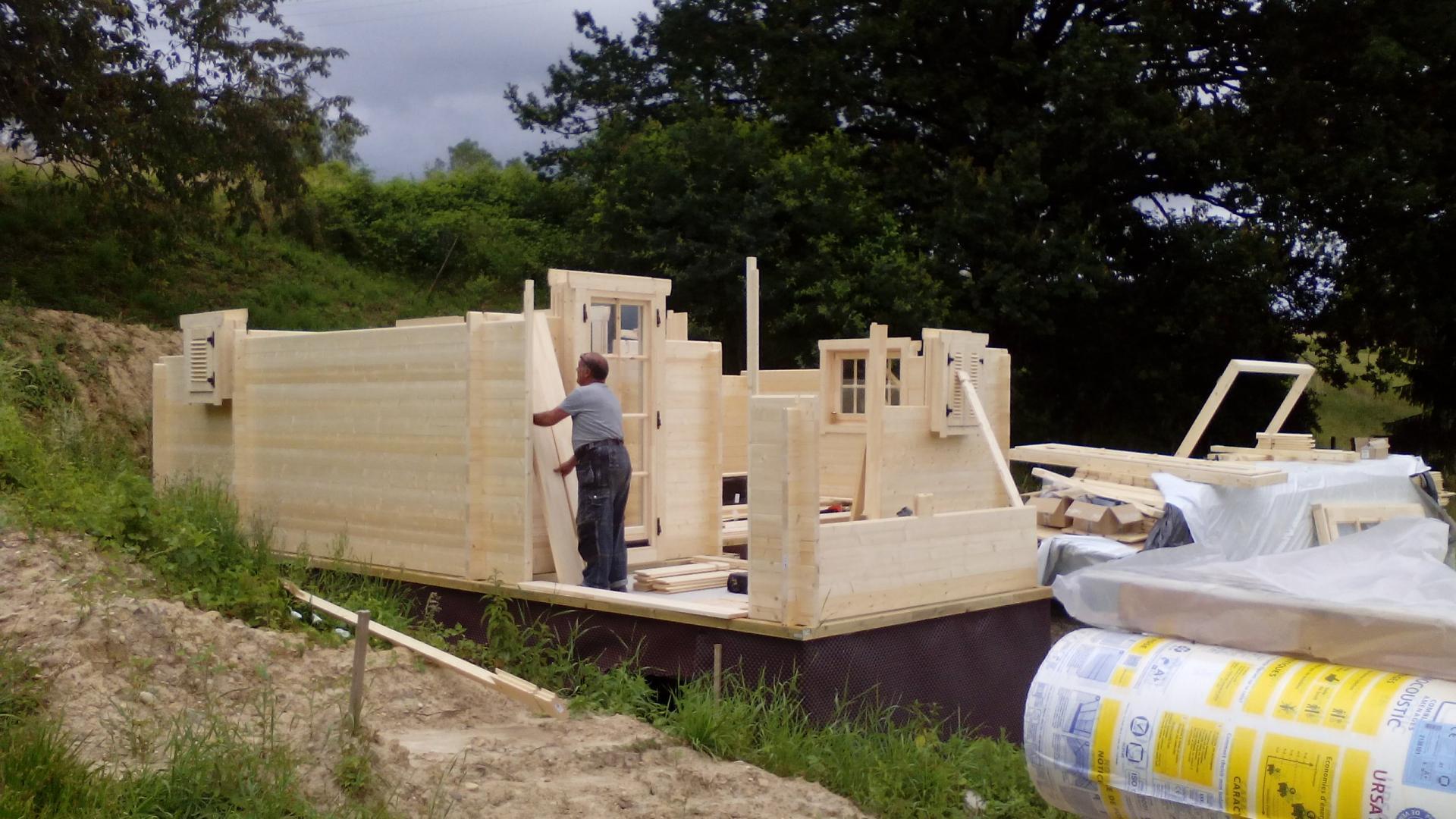Montage chalet en bois mod le ch ne stmb construction for Construction chalet bois 05