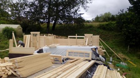 Photo 12 montage chalet bois chene stmb construction