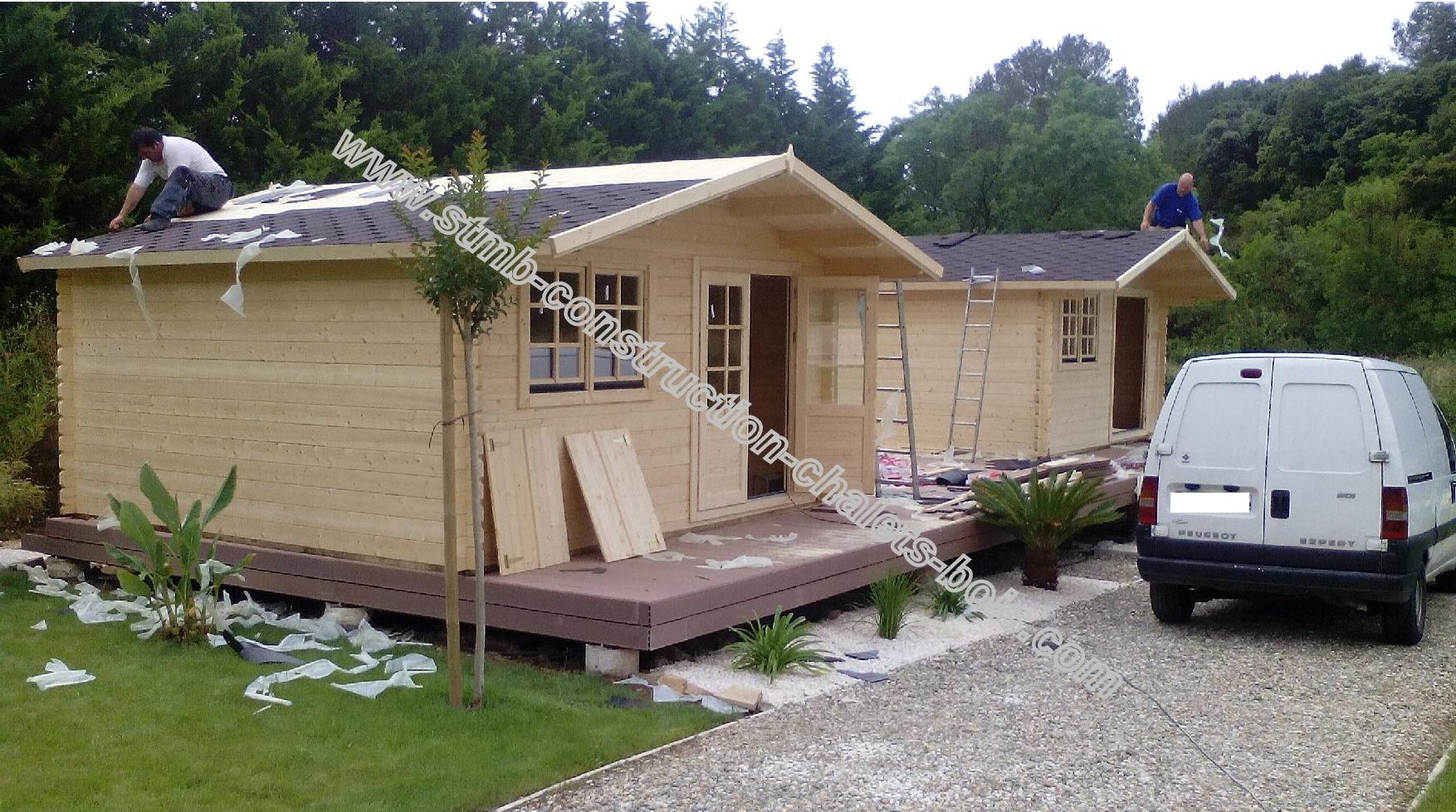 cchalet de jardin pas cher stmb construction chalets. Black Bedroom Furniture Sets. Home Design Ideas