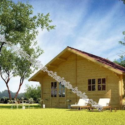 Chalet habitable en madriers 45 mm de 48 m avec terrasse for Construction chalet bois 05